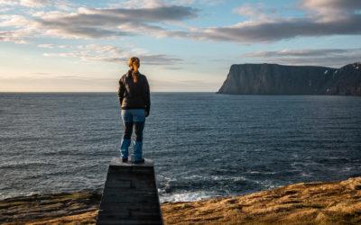Knivskjellodden, Nachtwanderung bei Sonnenschein am Nordkap