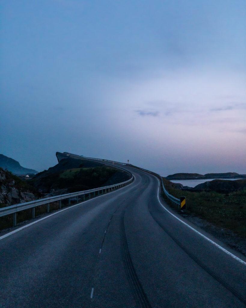 Blick auf Storseisund-Brücke